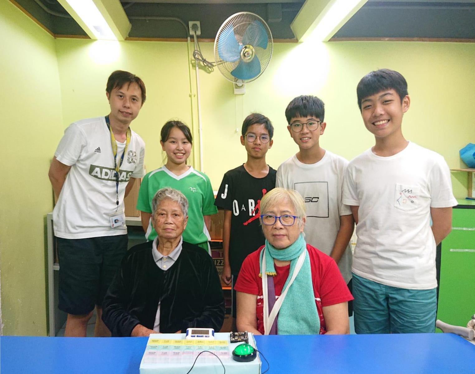 BBC micro-bit electronic pill-box for the Salvation Army Tuen Mun integrated service for young people 1