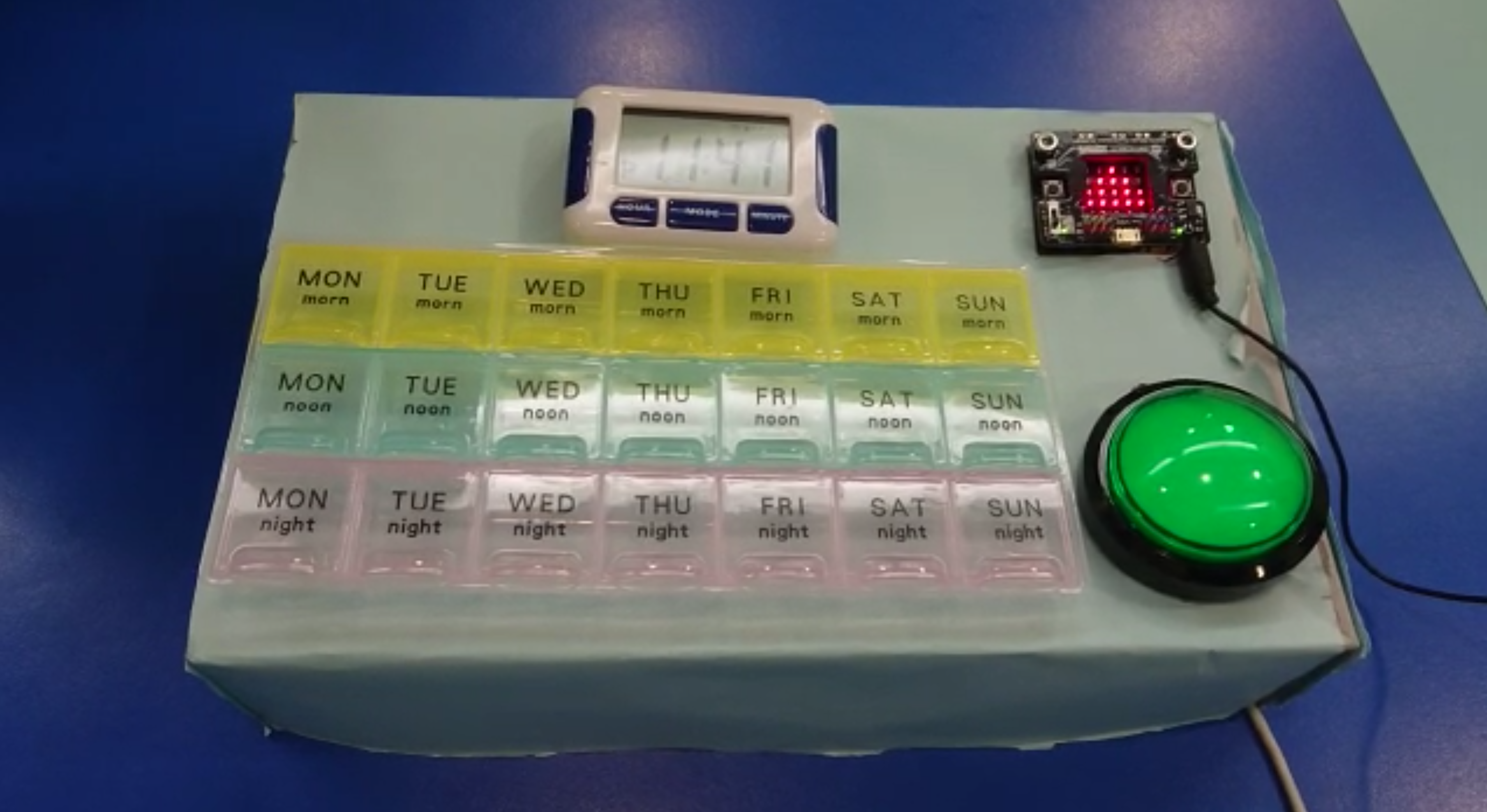 BBC micro-bit electronic pill-box for the Salvation Army Tuen Mun integrated service for young people 2